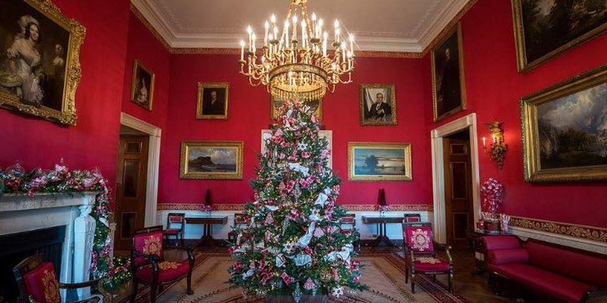 Sulphur woman helps decorate White House