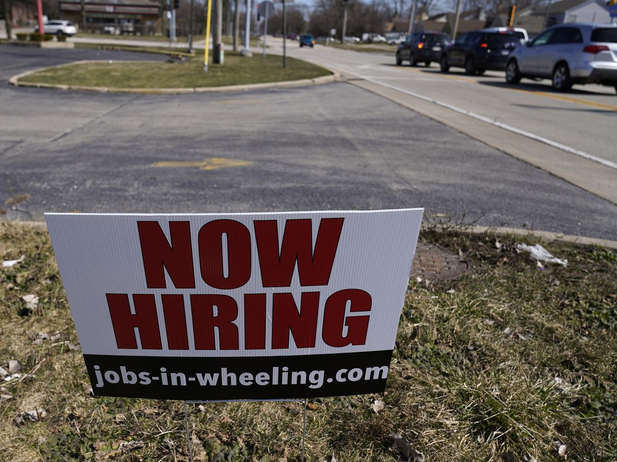 US job growth slows sharply in sign of struggles