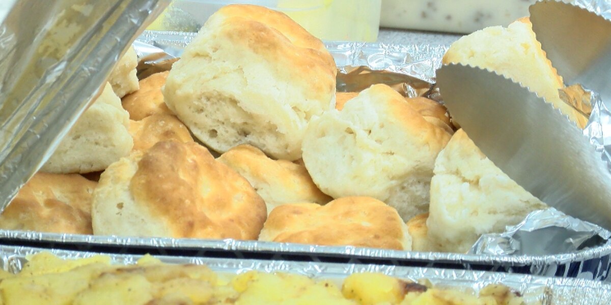 DeRidder Police treated to a home cooked meal on Christmas
