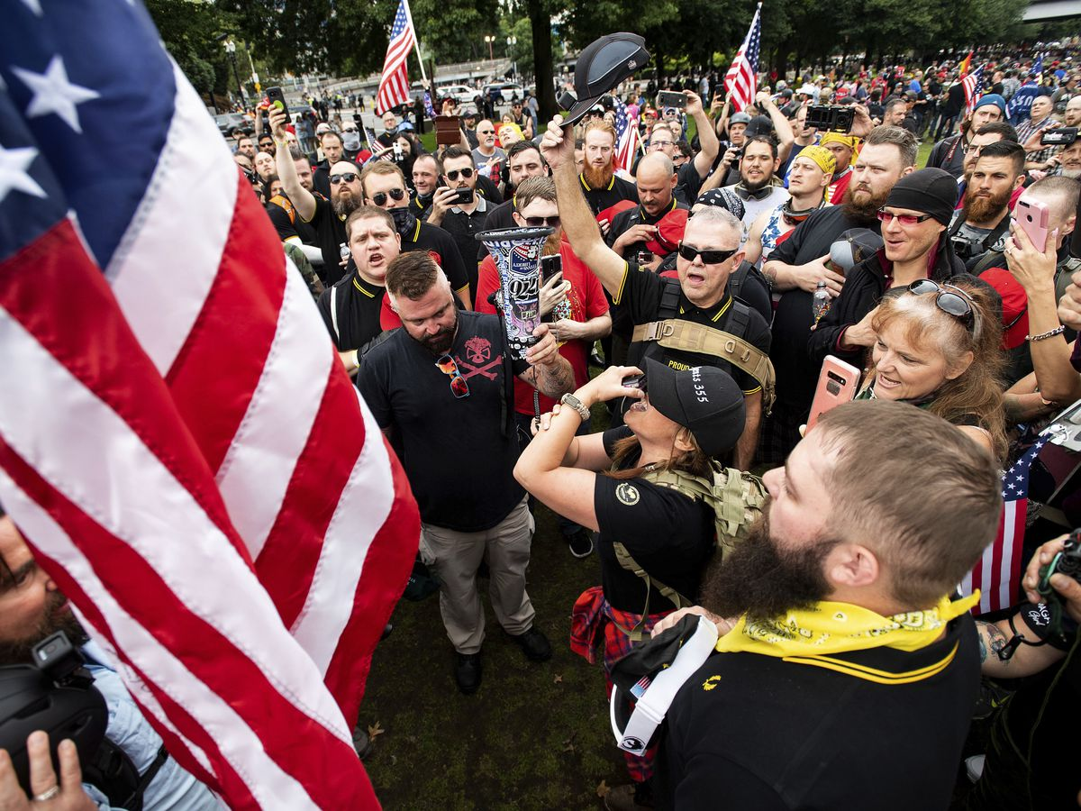 About 200 people gather in Portland for right-wing rally