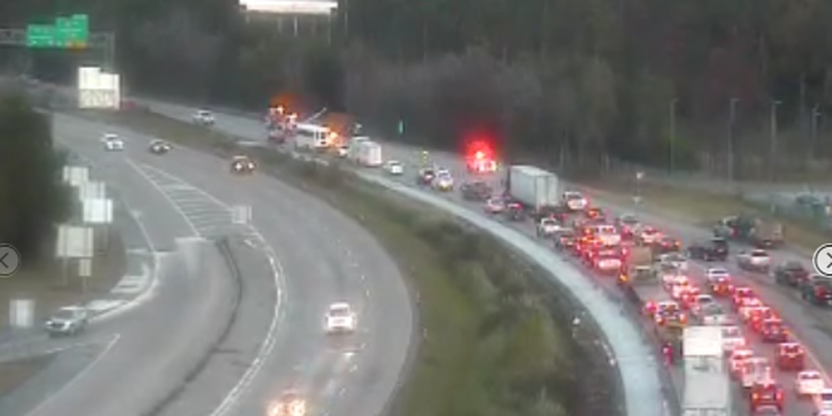 TRAFFIC: 2 right lanes blocked on I-10 EB at La. 108 due to jackknifed tractor trailer