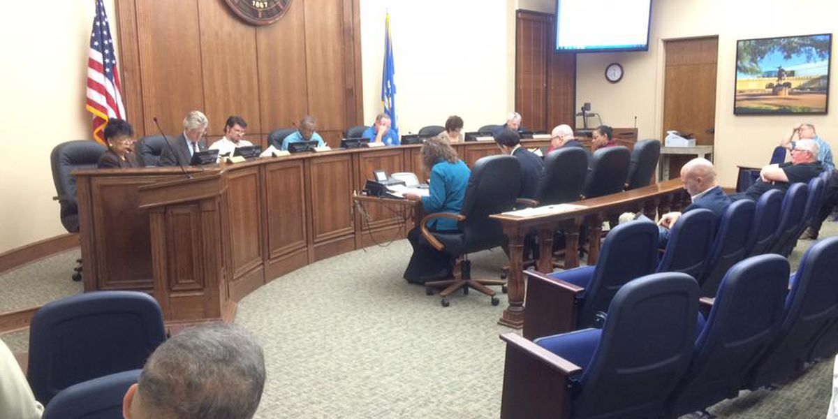 City council finalizes ordinance paving the way for Uber, Lyft services
