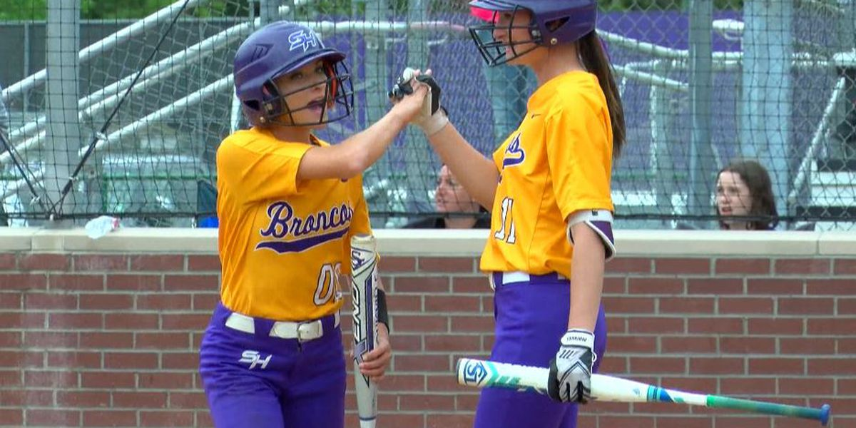 Sam Houston softball earns at least share of district title following win over Barbe