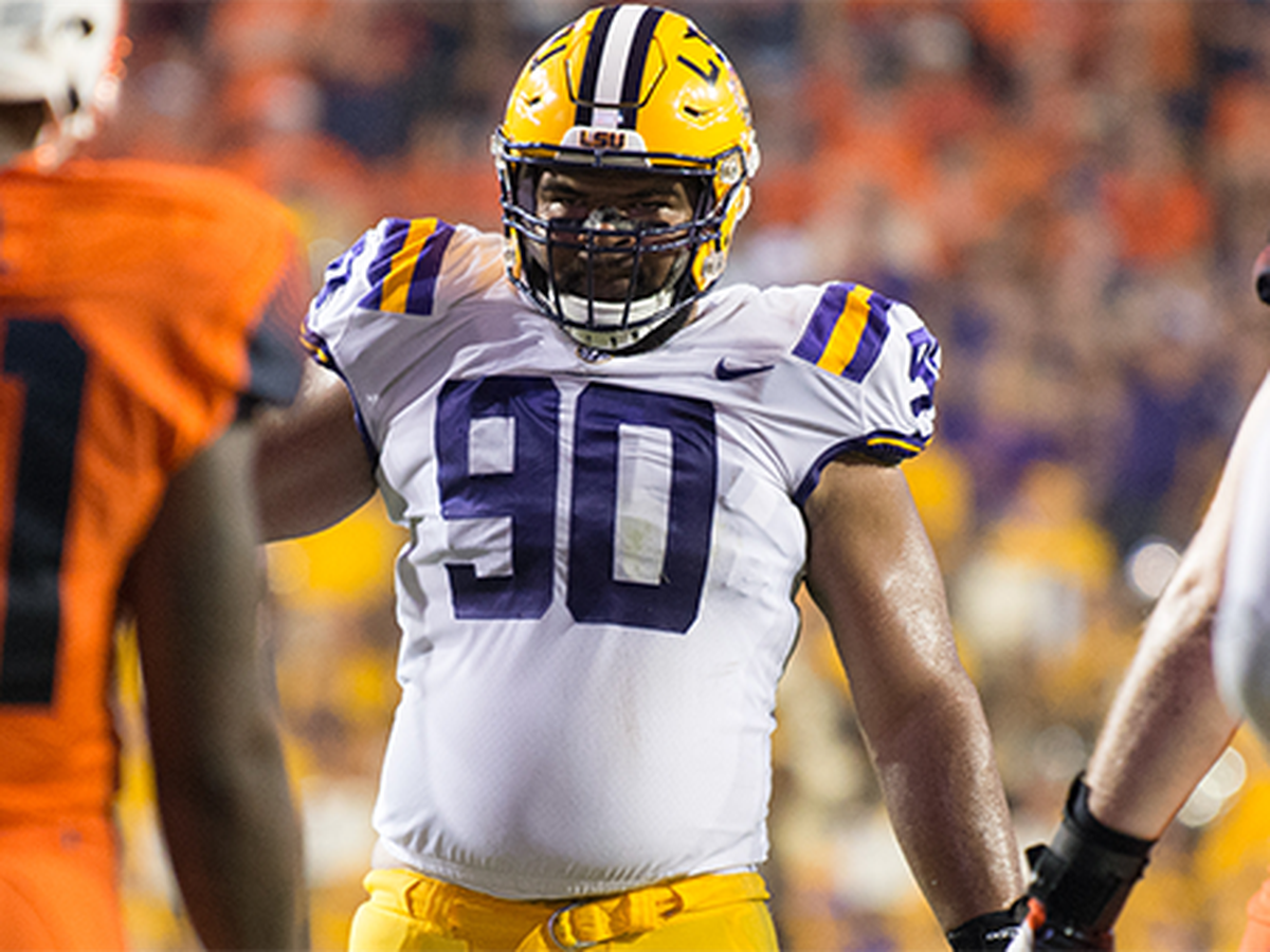 LSU senior defensive lineman named to Hendricks Award watch list