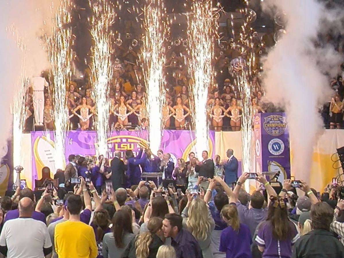 LSU Tigers celebrate national championship win with parade, fanfare