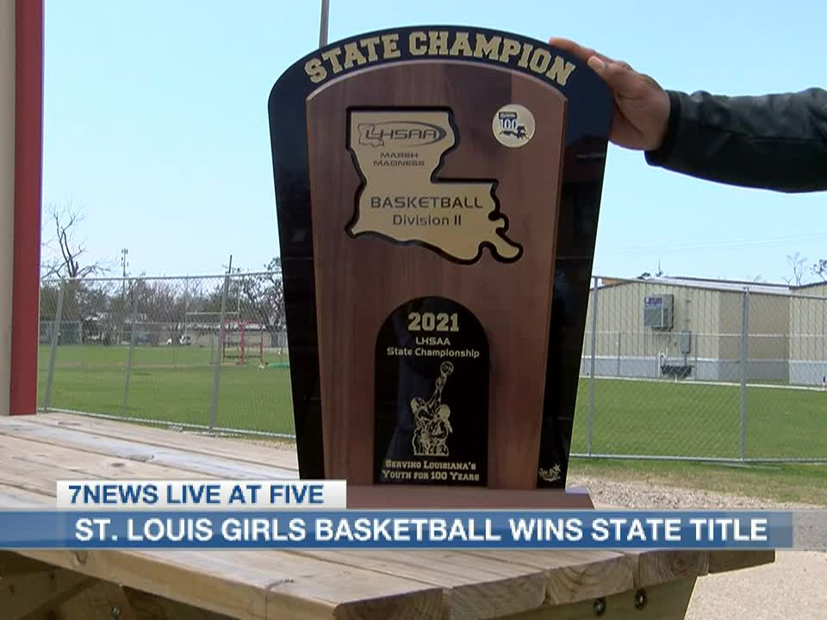 St. Louis Saints girls basketball team wins state title without having a gym