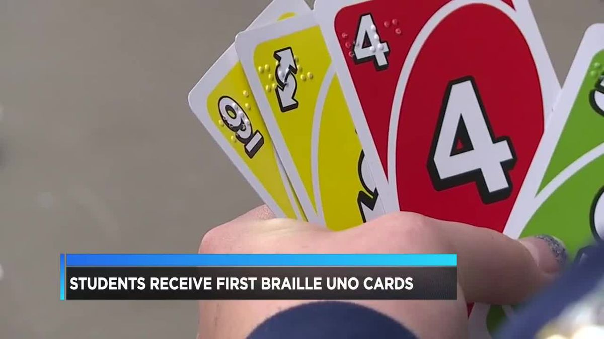 Students recieve first braille 'UNO' cards