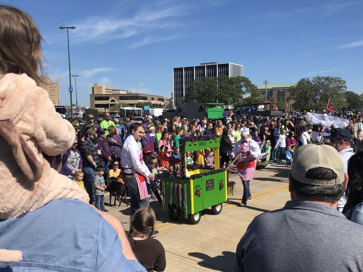 SWLA MARDI GRAS: See the dogs of Barkus