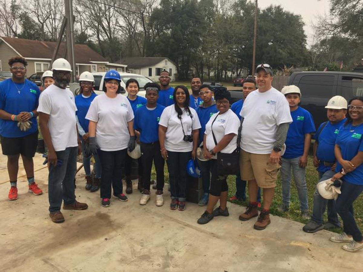 McNeese State University students give up their Saturday for Habitat for Humanity build