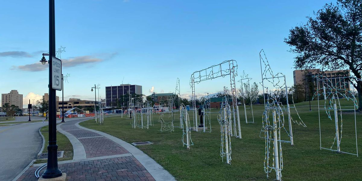 Christmas decorations going up in Lake Charles