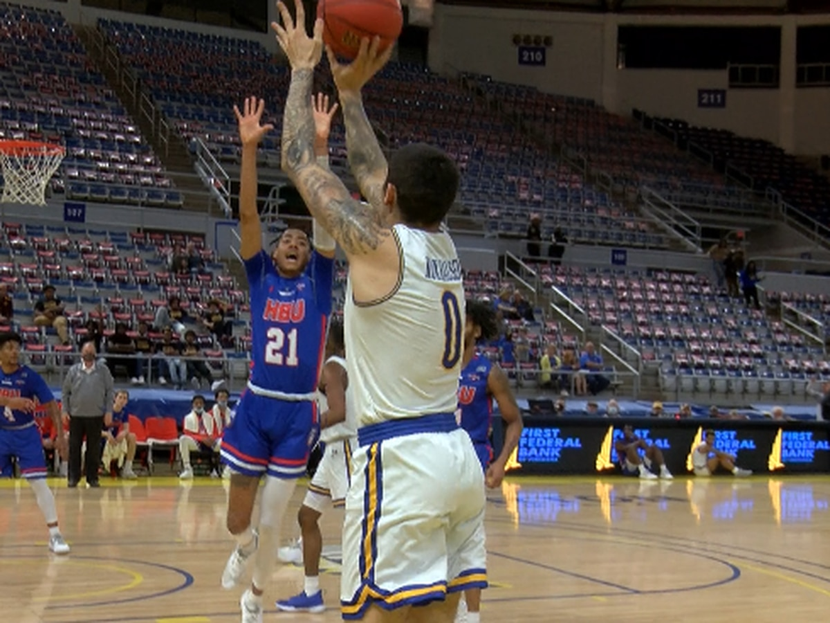 Cowboys get big 85-58 win over HBU as the race for Katy heats up