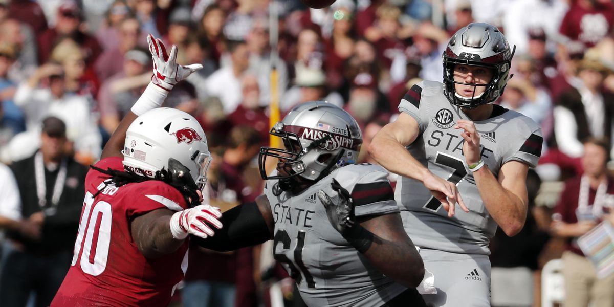 Fitzgerald leads No. 25 Mississippi St past Arkansas 52-6