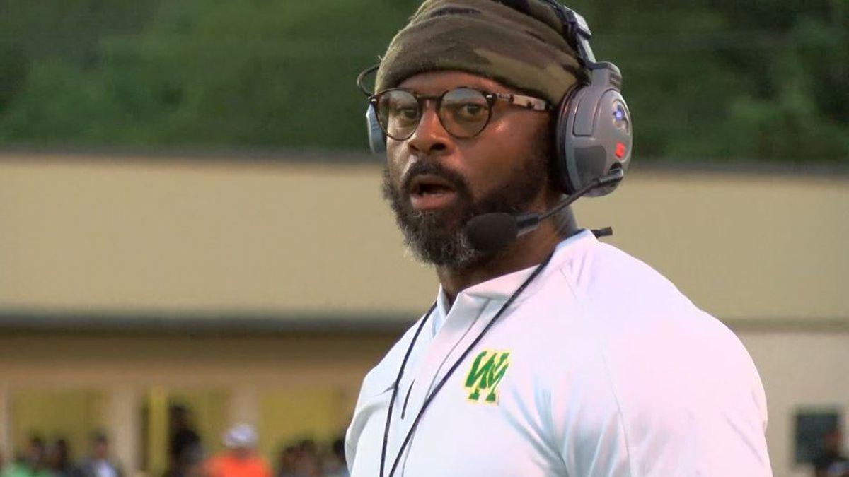 Washington-Marion head coach DeCarlos Holmes accepts assistant job with EMCC