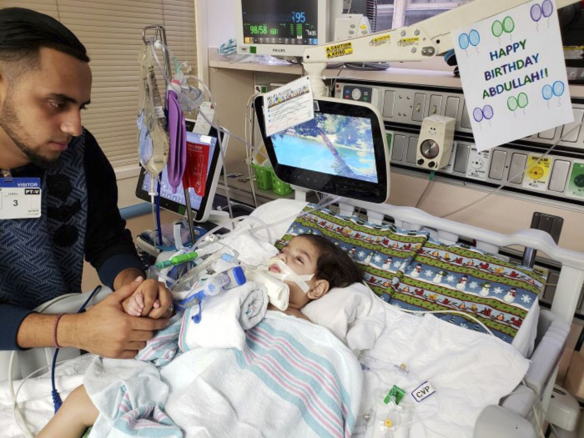 Yemeni mom wins fight to fly to US to give dying son kiss