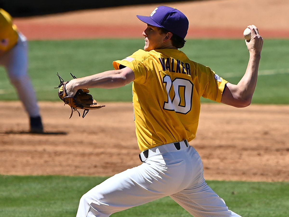 No. 10 LSU baseball takes series over No. 25 Florida with win in Game 3