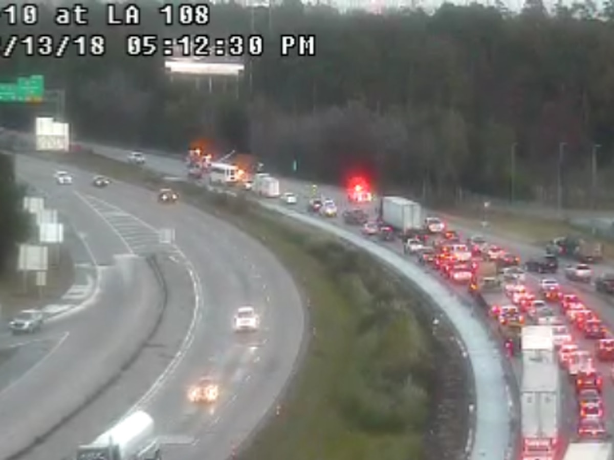 TRAFFIC: 2 right lanes open on I-10 EB at La. 108 after tractor trailer jackknifes