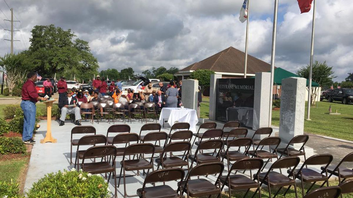 Memorial Day weekend starts with ceremony at Combre Veterans Memorial Park