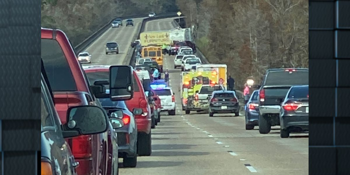 FIRST ALERT TRAFFIC: Vehicle accident on Hwy 171 N near Moss Bluff