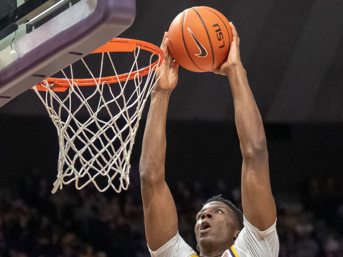 LSU basketball taken down by Florida's timely three point shooting