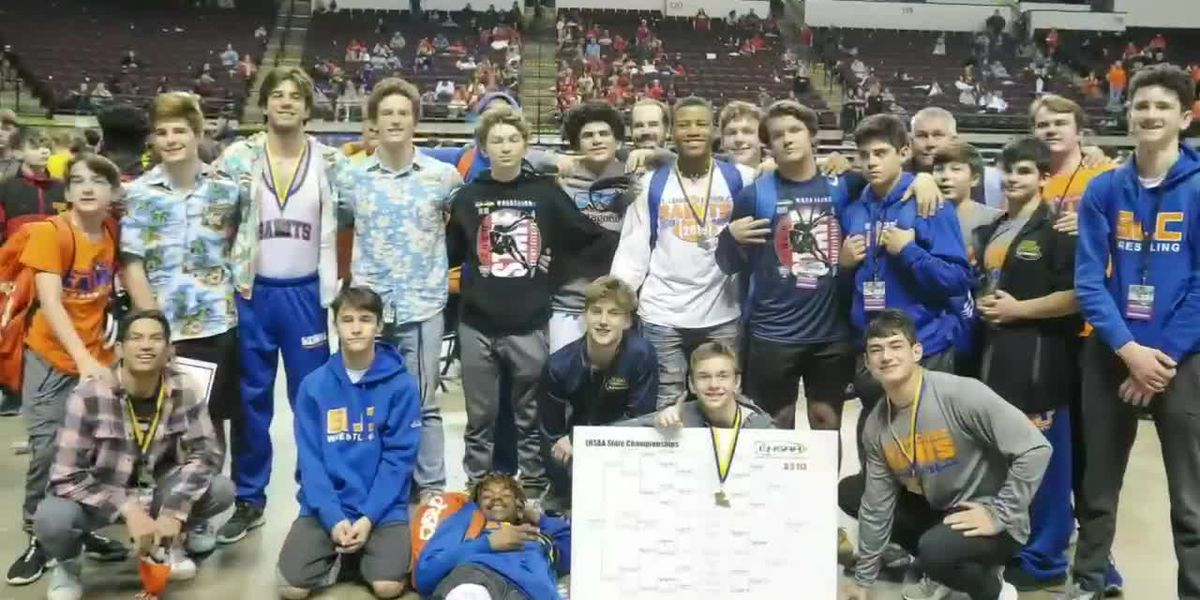 St. Louis wrestlers McMichael and Yokubaitis celebrate state titles