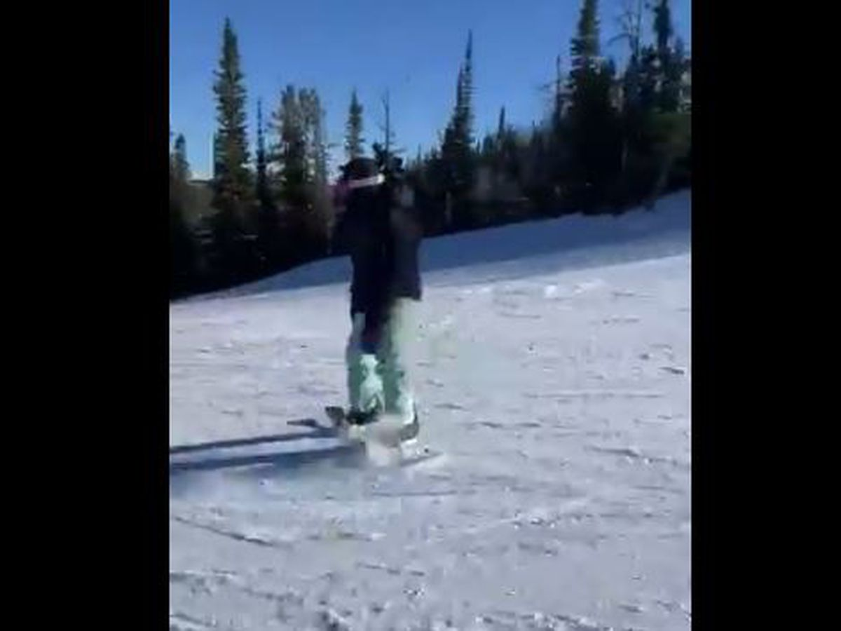 VIDEO: Saints RB Alvin Kamara snowboarding, and he's really good!