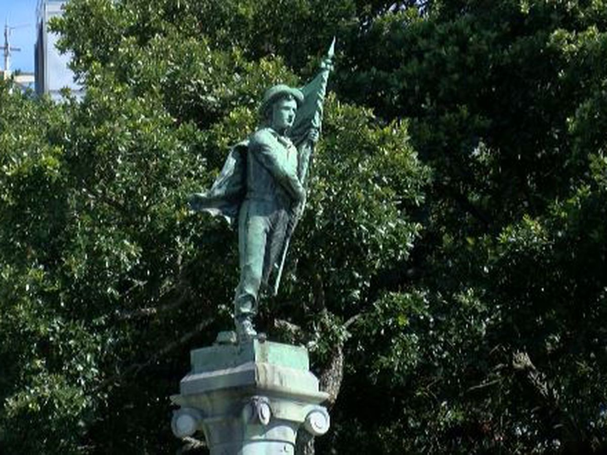 Police Jury votes to keep South's Defenders Monument at courthouse