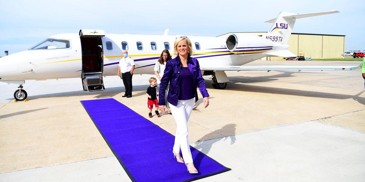 Kim Mulkey arrives in Baton Rouge
