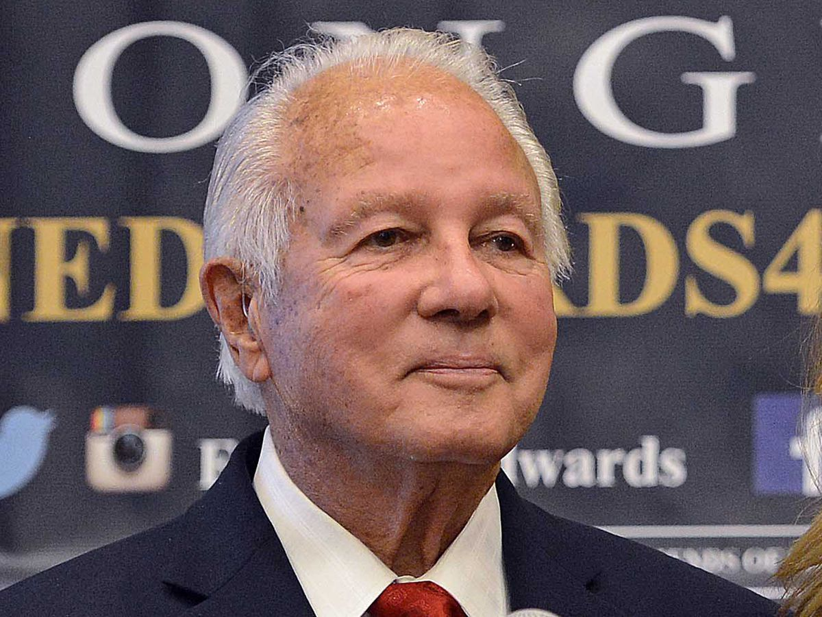 Gov. Edwin Edwards released from hospital after bout with double pneumonia
