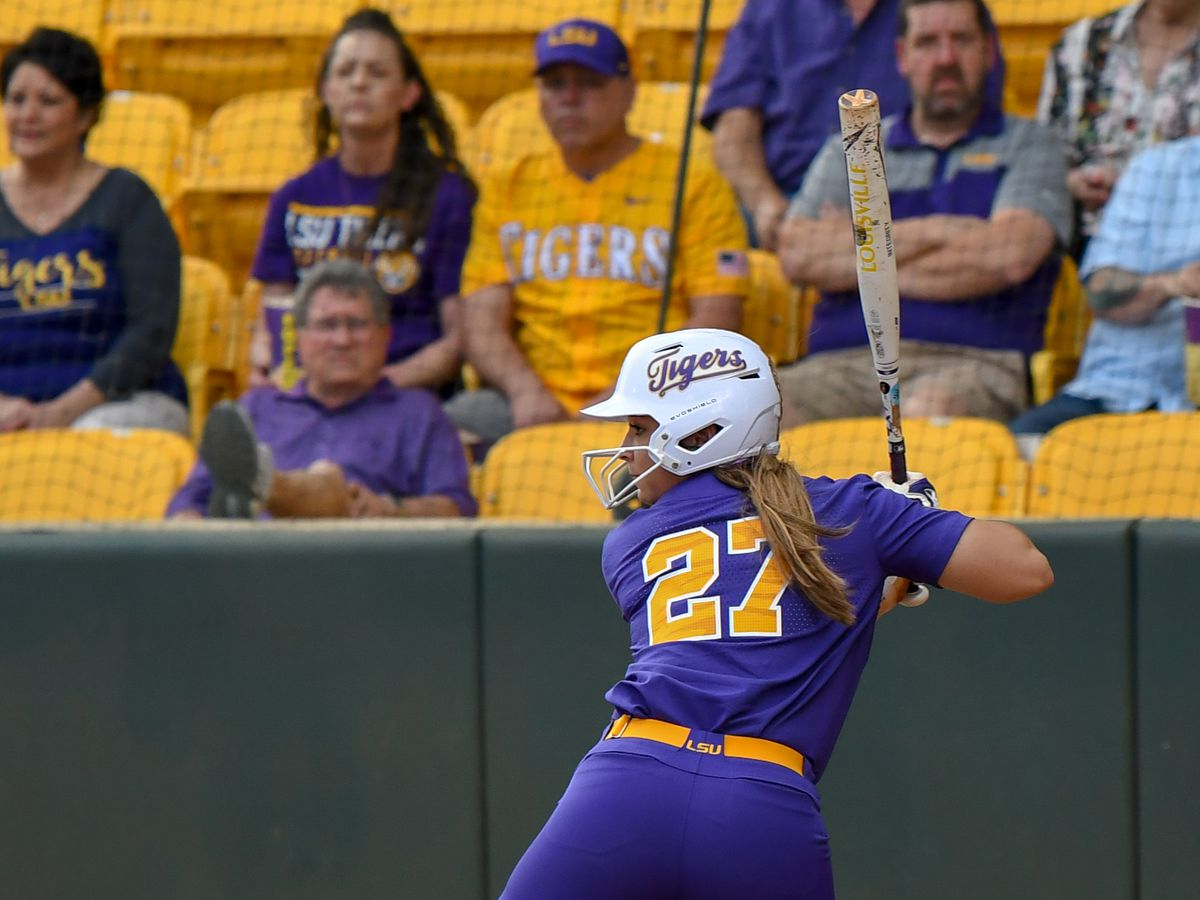 No. 8 LSU softball holds on to win series over No. 12 Georgia