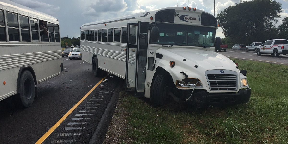 Accident involving bus causes backup on I-10 EB near Westlake
