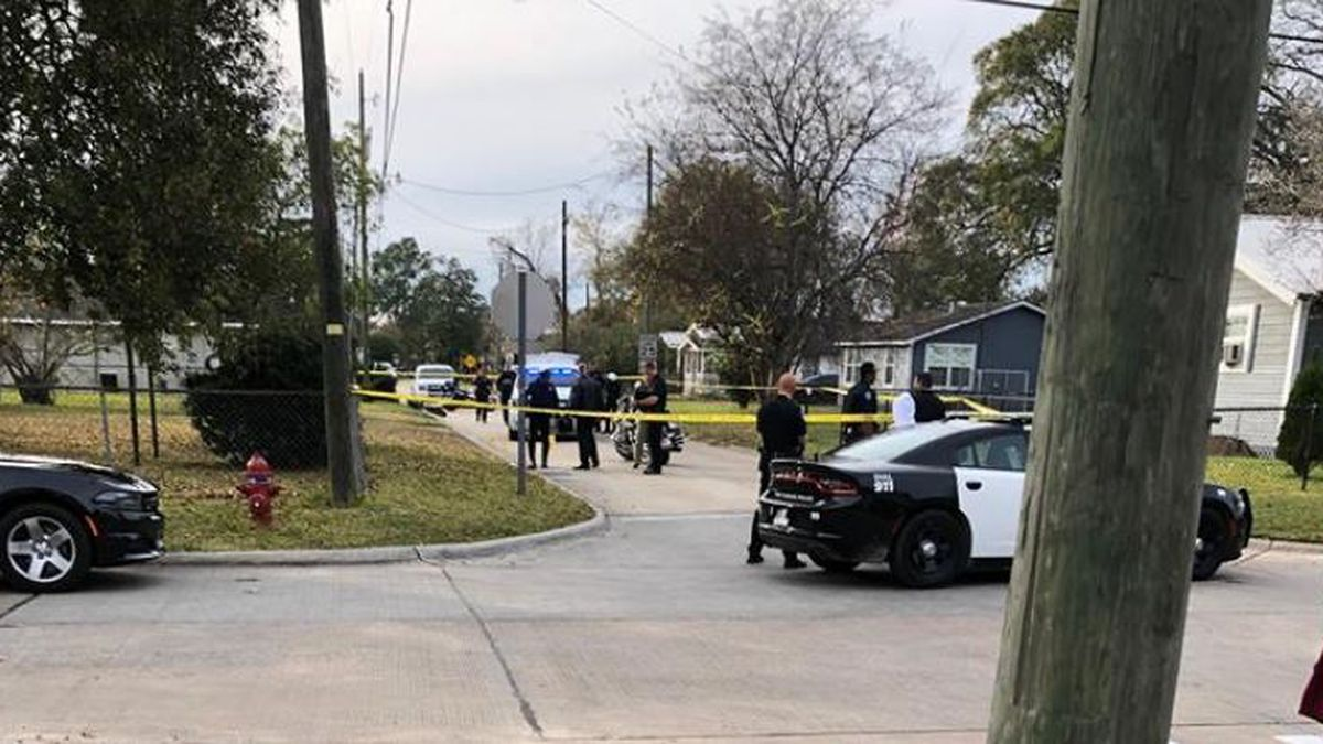 Police investigating shooting involving 4 juveniles on Winterhalter Street