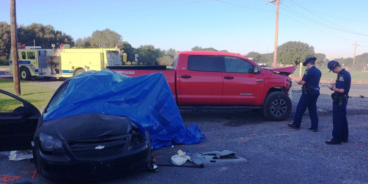 Two killed in crash on Hwy 27; Police juror wants signal light