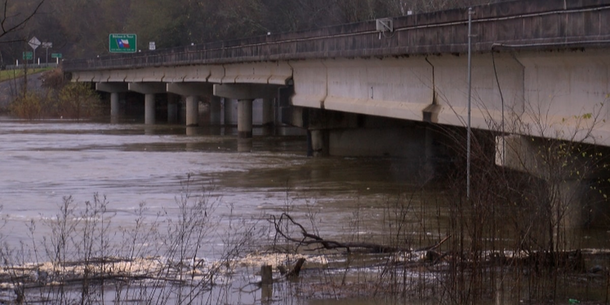 Bon Wier gauge forecast to rise into a major flood stage by Sunday