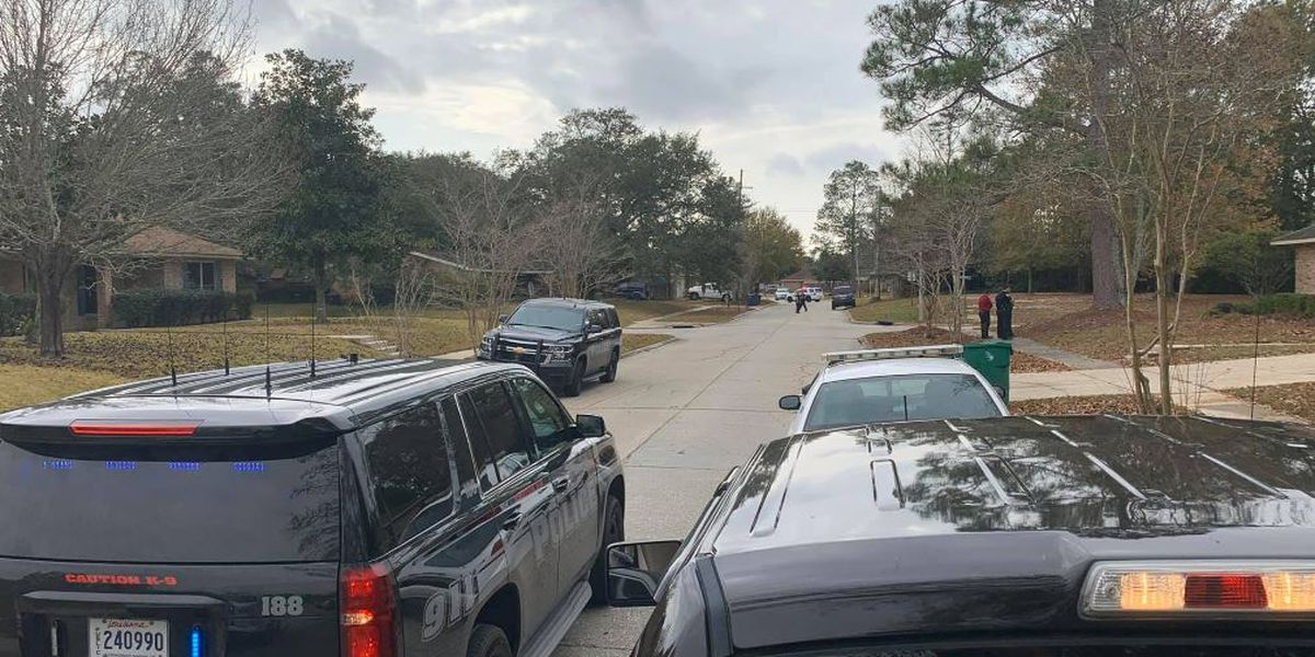 Suspect in custody after SWAT standoff in Slidell; shots fired