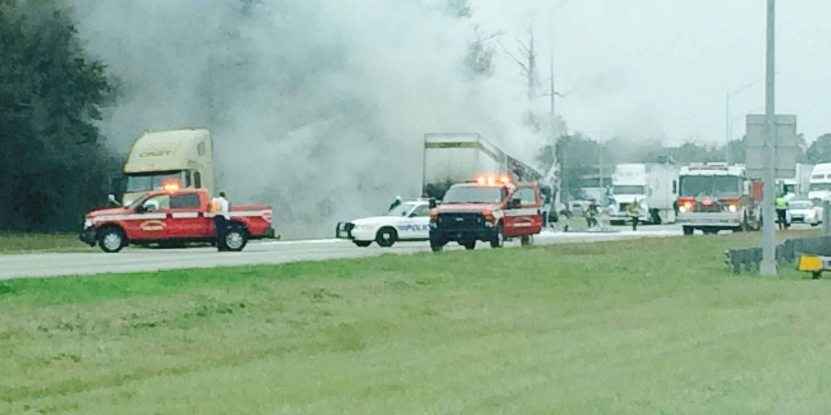 UPDATE: One dead after I-10 crash involving 18 wheeler