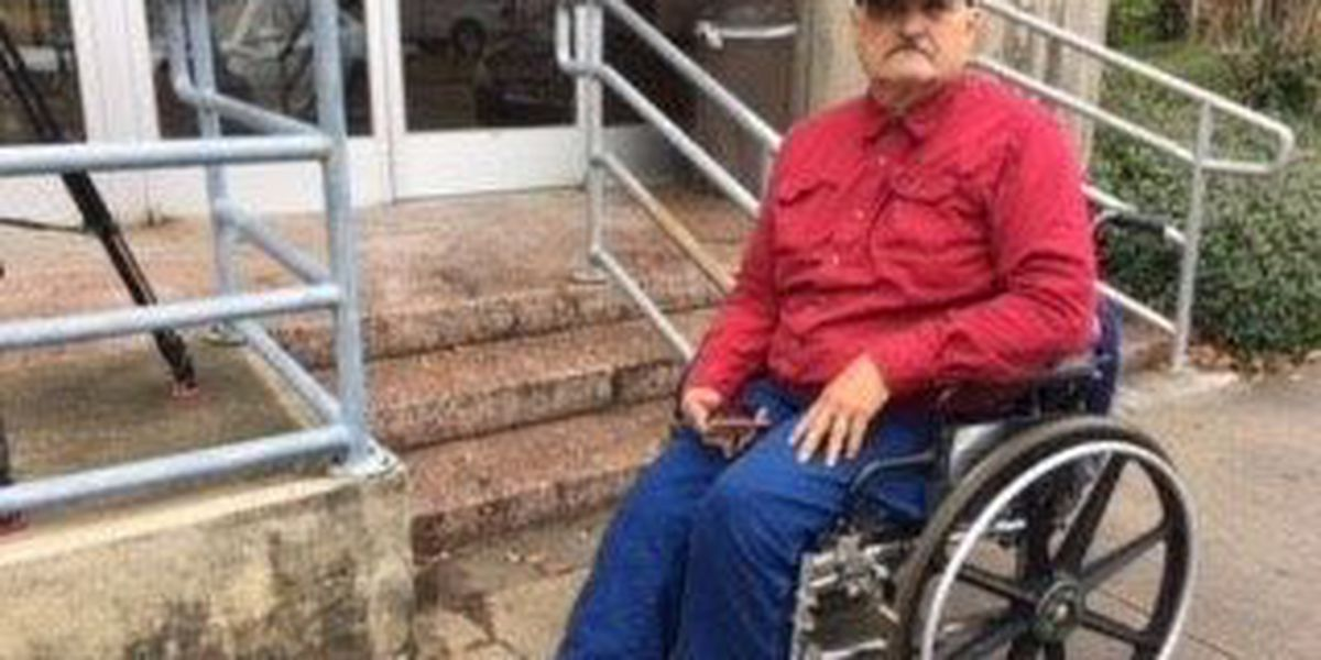 Disabled veteran complains about no access to restrooms at post office