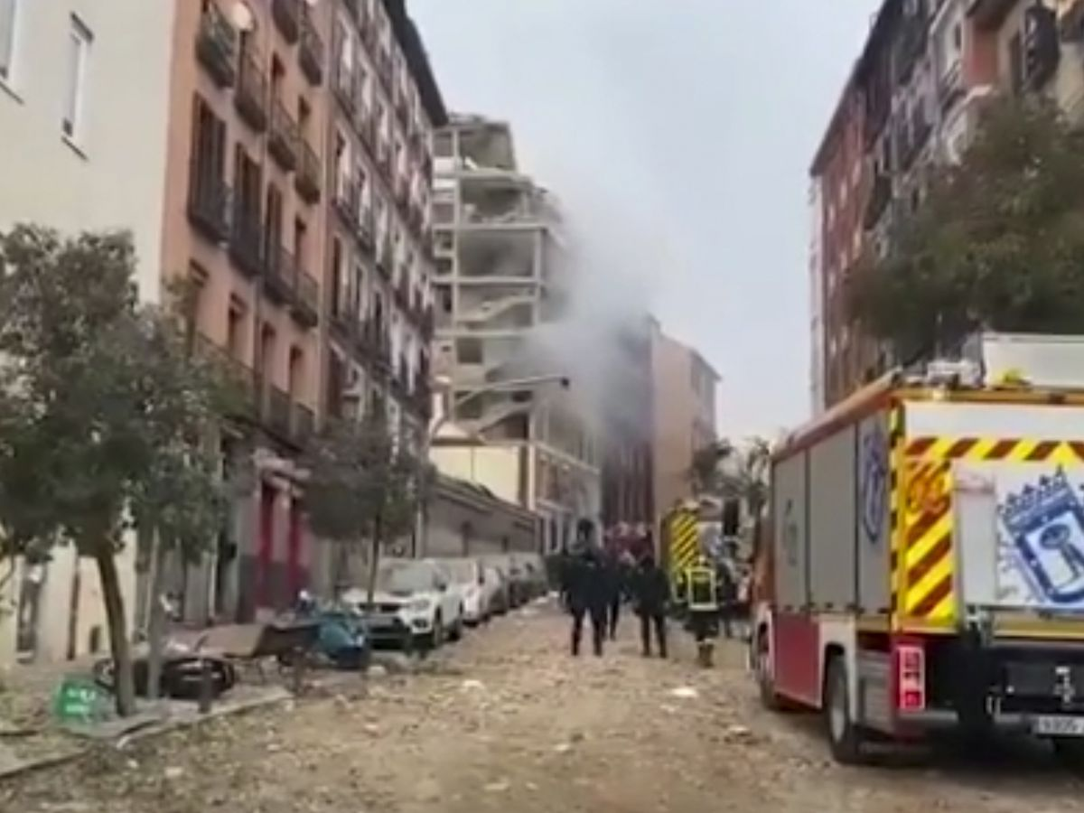 Mayor: Madrid blast kills 2; apparently linked to gas leak