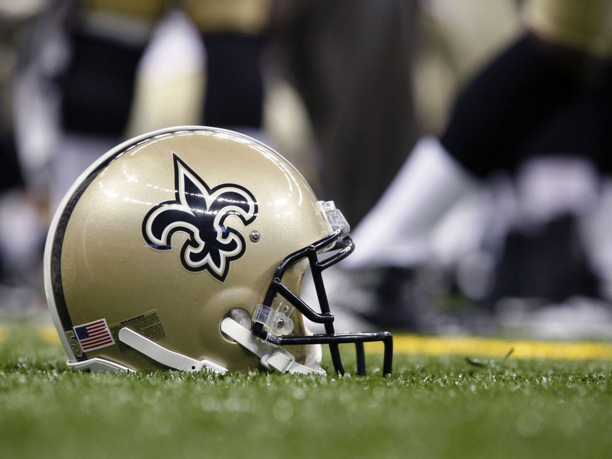 Saints sign defensive end Wes Horton