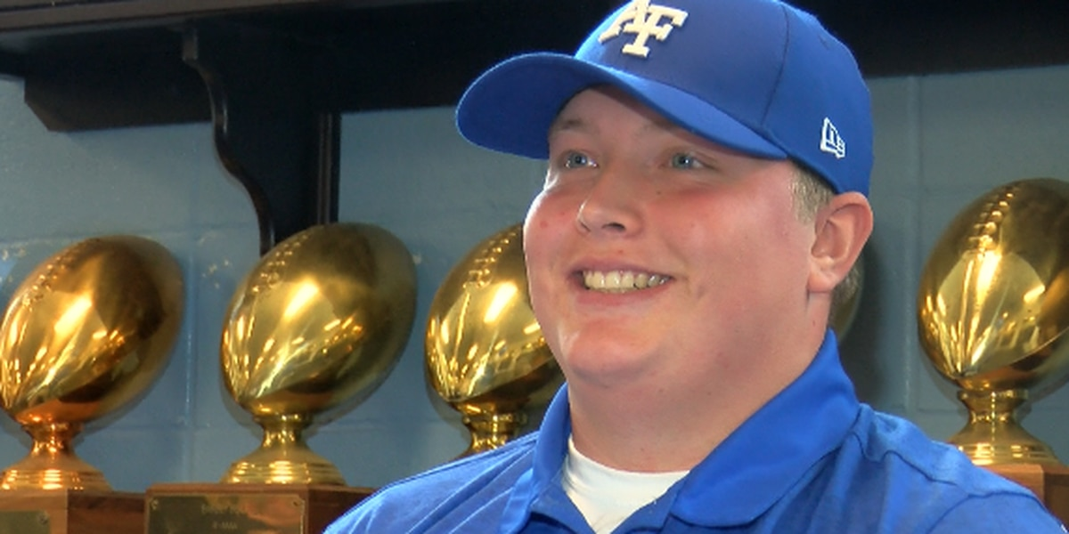 Barbe's Hunter Brown signs to play football at Air Force Academy
