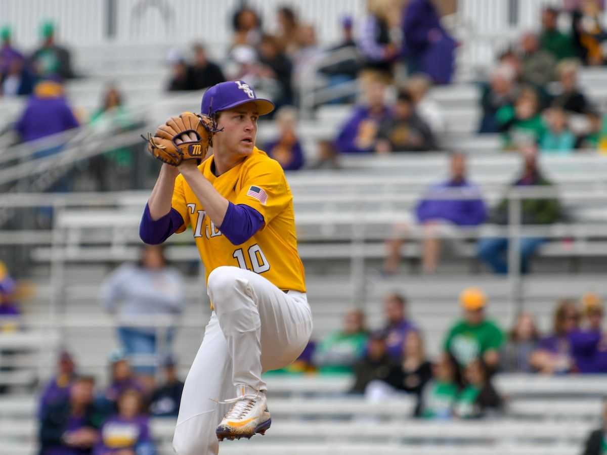 No. 7 LSU baseball drops series to No. 5 Georgia after 9th inning rally comes up short