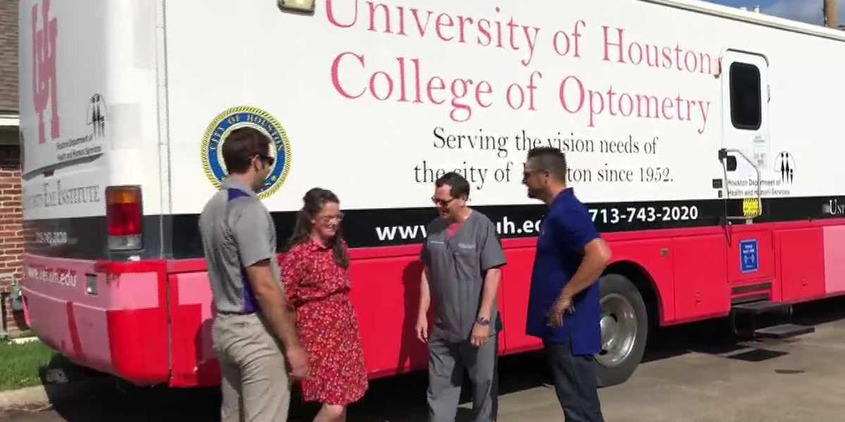 Eye doctors help community with mobile eye care center