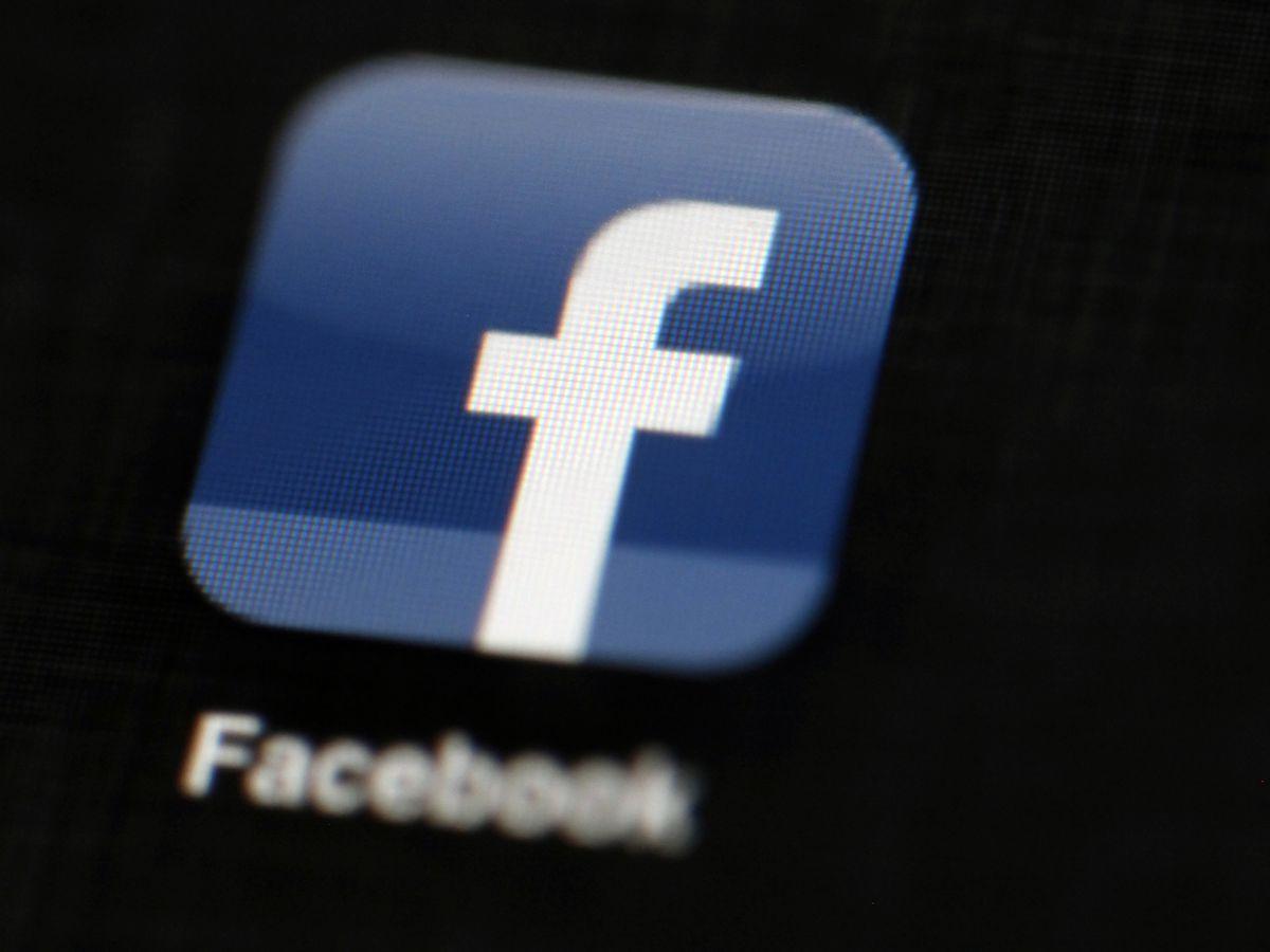 La. lawmaker picks fight with big social media companies