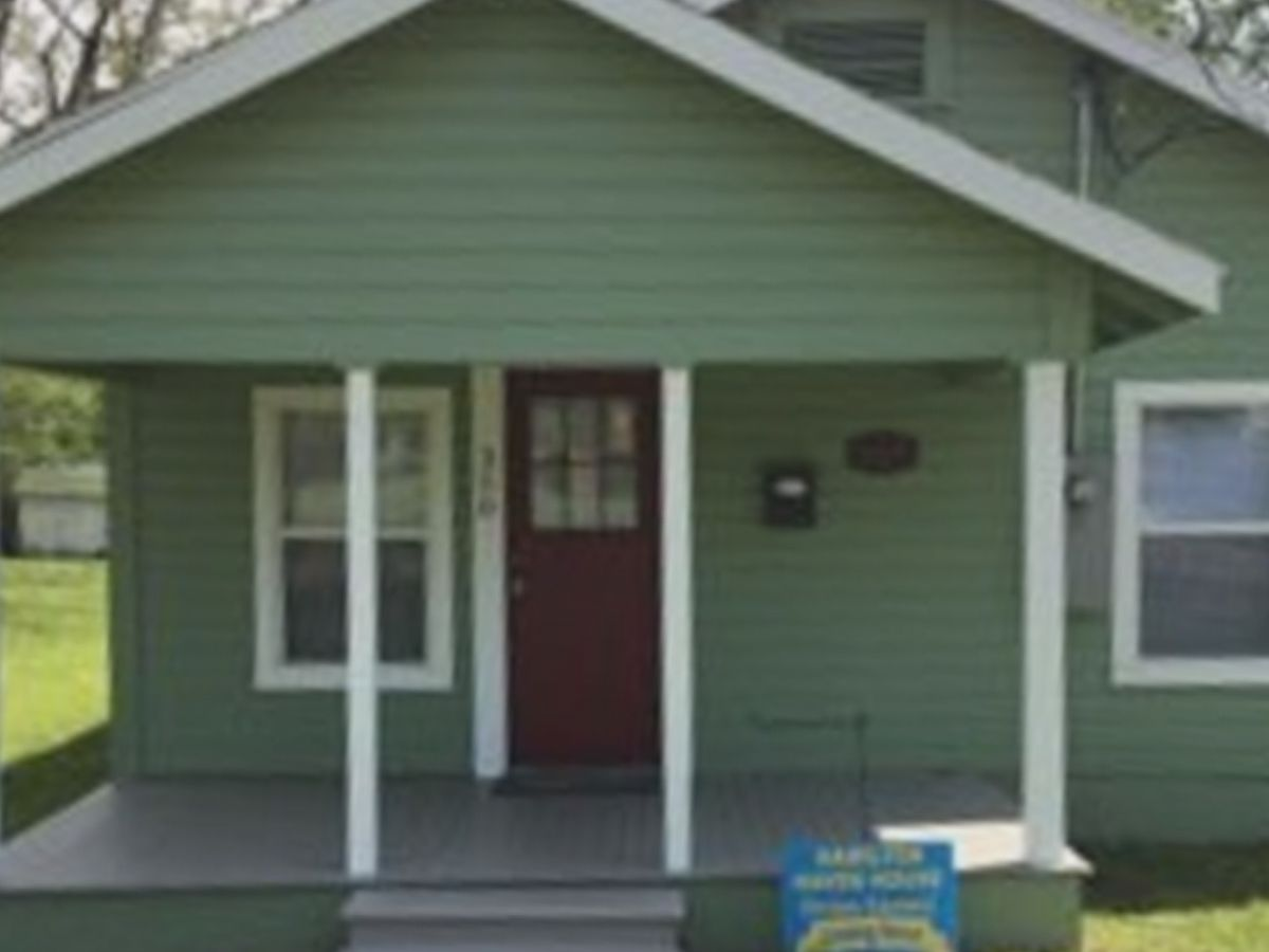 Arkansas non-profit temporarily houses Lake Charles family