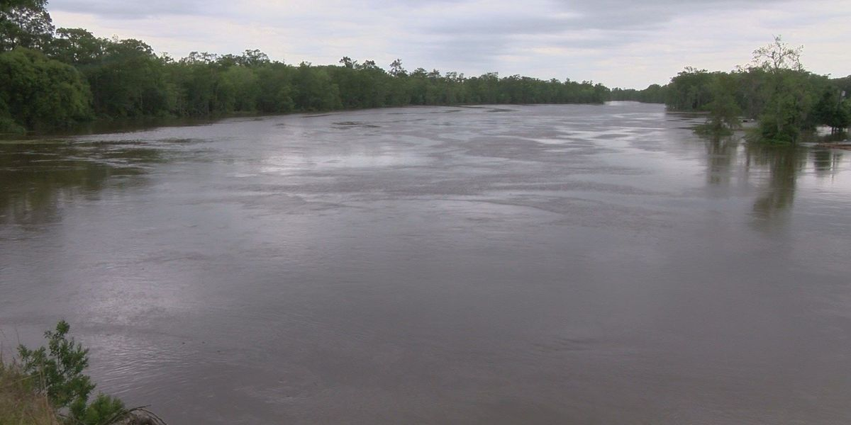 Calcasieu River and English Bayou closed today due to flooding