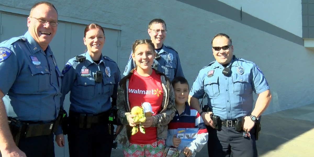 The DeRidder Police Department brings Christmas to town a day early