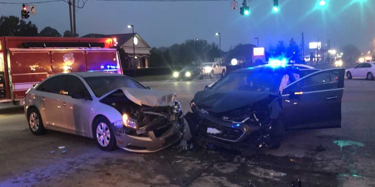Two-vehicle collision with injuries on Nelson and Country Club Road