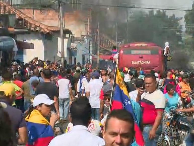 Soldiers unleash tear gas amid tension on Venezuela's border