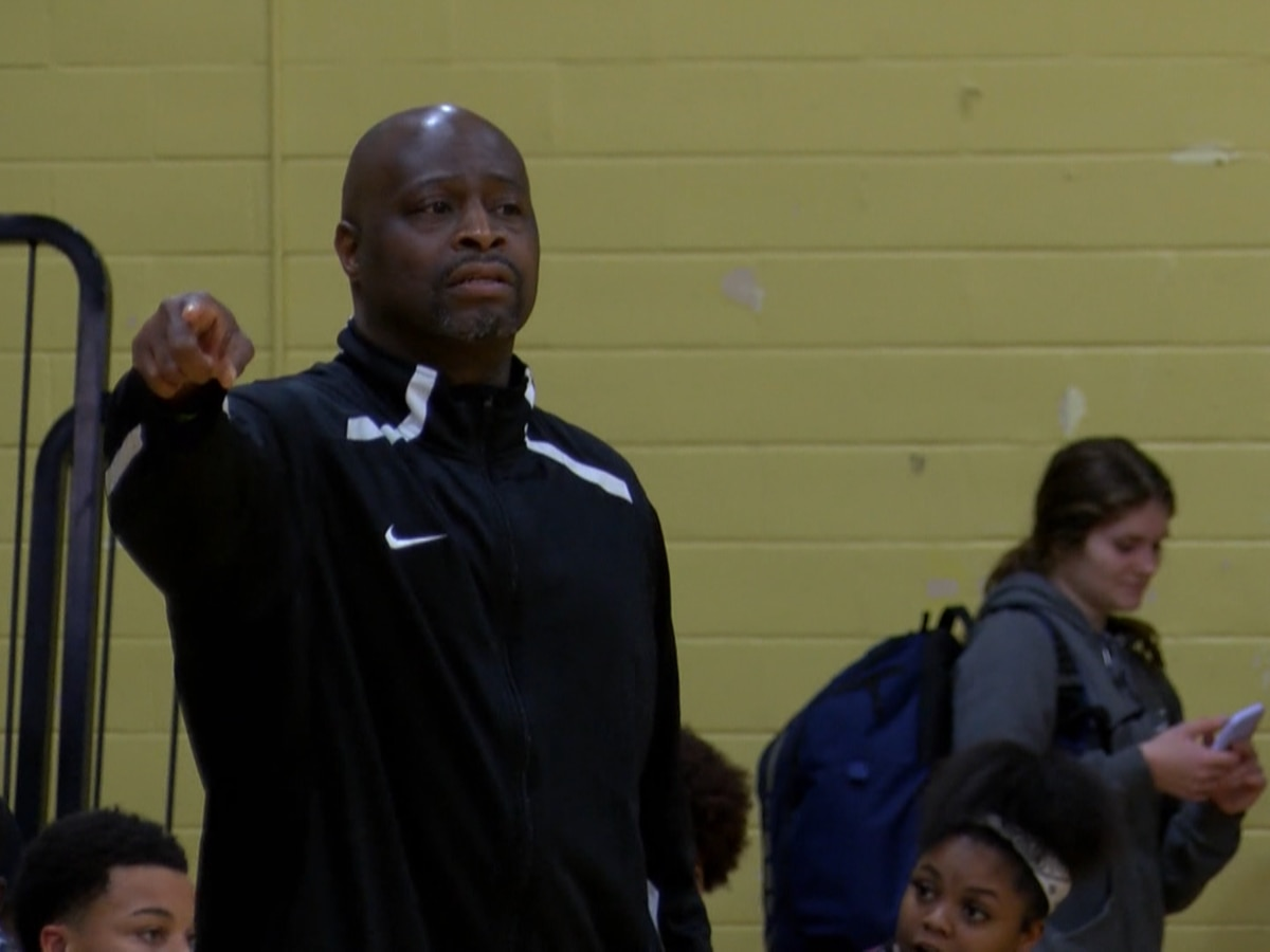 Washington-Marion introduces Robert Palmer as new boys basketball head coach