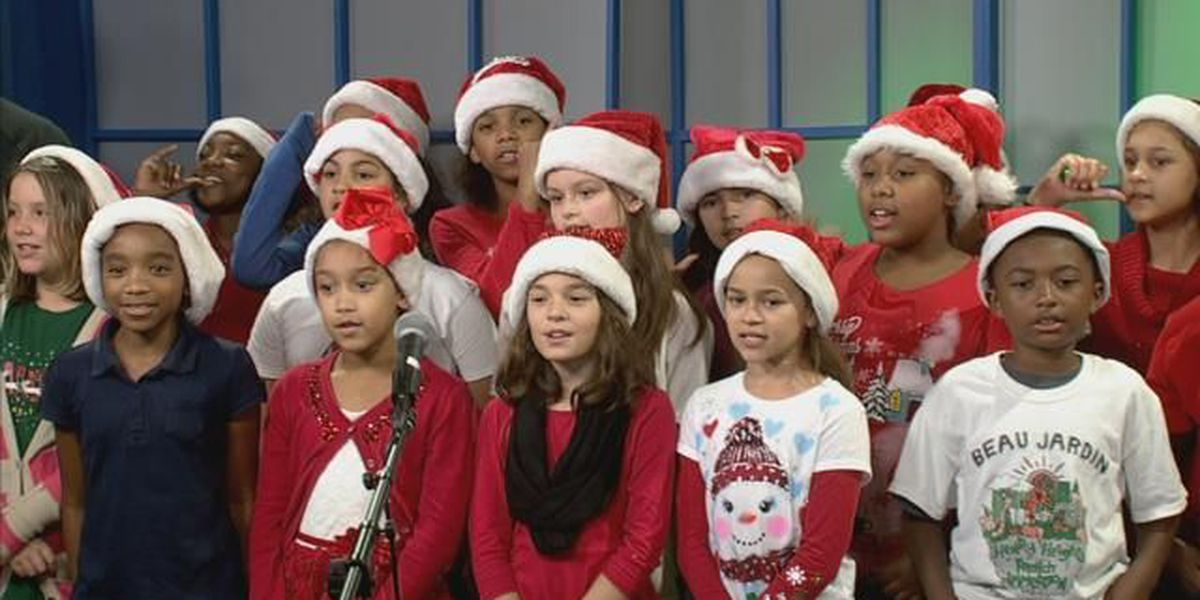 WATCH: Henry Heights French Immersion kids spread some Christmas cheer!