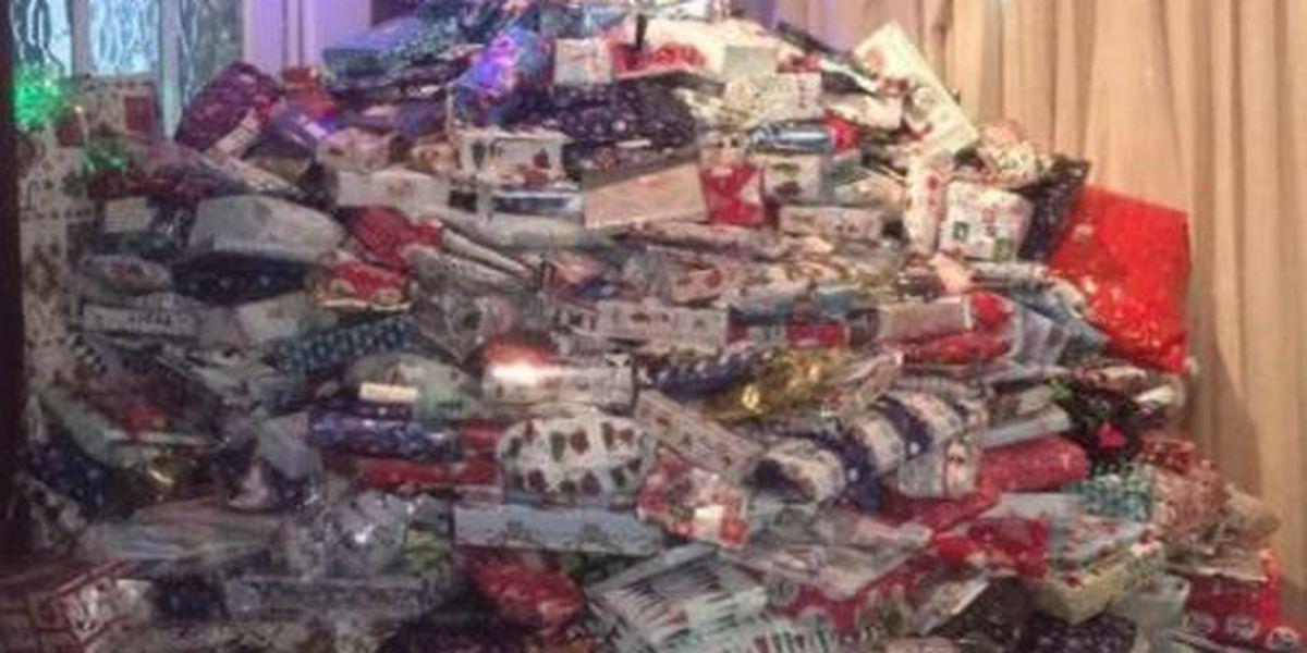 UK mom loads down Christmas tree once again